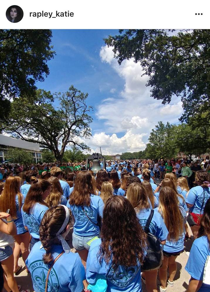 Photo challenge submission of Tulane students at Victory Bell